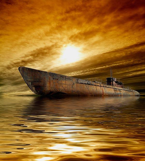 лодка между тем